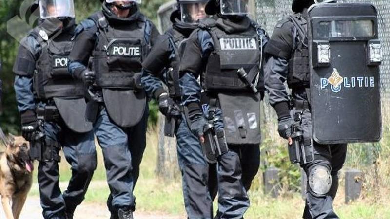 Net sluit zich om Brabantse misdaadclan van Martien R, nieuwe arrestaties.